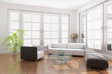 Wir liefern Fenster mit Zweifach-Verglasung, Dreifach-Verglasung oder Schallschutz-Glas