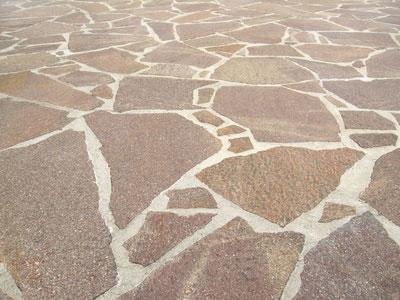 Terrasse aus italienischen Bruchplatten